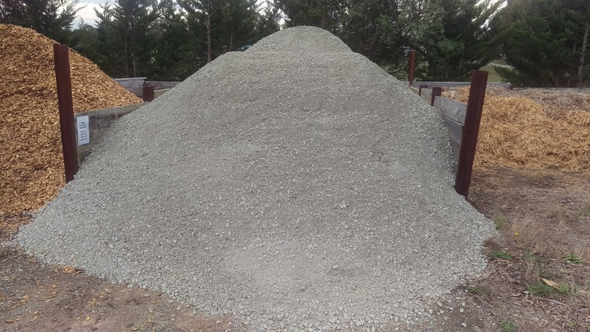 grey crushed rock 20mm